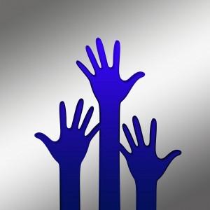 Viele helfende Hände von ehrenamtlichen Mitarbeitern unterstützen uns bei unserer Arbeit