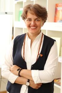 Jana Thann leitet den Workshop Chakraheilung im Institut für Energiearbeit