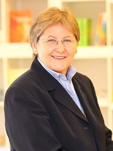 Mag. Claudia Dieckmann unterrichtet Bewusstseinstraining im Institut für Energiearbeit