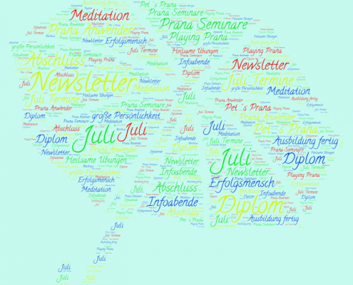 Sonnenschirm mit allen Juli Veranstaltungen als Bild für den Juli-Newsletter
