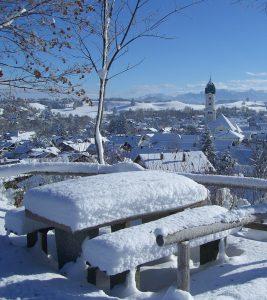 Winterlandschaft zum Jahreszeitentreffen Winterbeginn